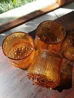 Ultima Thule Finnish amber glasses. Tapio Wirkkalan klassikot, hieno väri, harvinainen - Iittala, made in Finland. Vintage Kitchenware, Scandinavian Art, Drinking Glass, Nordic Design, Amber Glass, Glass Collection, Glass Design, Retro, Decorative Bowls