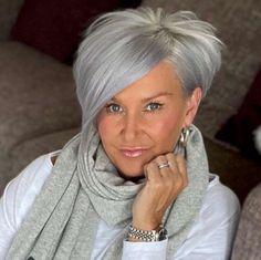 Short Silver Hair, Grey Curly Hair, Short Grey Hair, Short Hair Cuts, Gray Hair, Wedge Hairstyles, Short Hairstyles, Green Shorts, Hair Dos