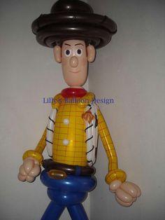 No se puede ser más realista. Woody de Toy Story. #globoflexia #globos #tienda