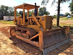 Caterpillar revived the name in 1967 with the introduction of two models, a direct drive and a power shift, available in either or gauges. Toyota 4runner, Toyota Tacoma, Track Roller, Welding Rigs, John Deere Tractors, Jeep Truck, Day Work, Peterbilt, Bugatti Veyron