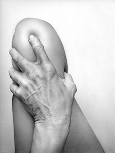 Cath Riley,  Fesh:Hand and Knee. This is a drawing.