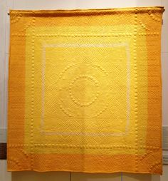 Vintage golden yellow Welsh whole cloth quilt at the Welsh Quilt Centre. Hand quilted of course. Source by Ideas vintage Hand Quilting Patterns, Longarm Quilting, Machine Quilting, Quilting Designs, Antique Quilts, Vintage Quilts, Yellow Quilts, White Quilts, Whole Cloth Quilts