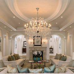 "7,716 Me gusta, 70 comentarios - Grace R (@lovefordesigns) en Instagram: ""A classic home with beautiful architectural details.... . vis@drew.fanton #elegant #house #interior…"""