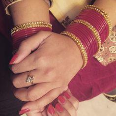 Red! Kerala Jewellery, Pakistani Jewelry, India Jewelry, Silk Thread Bangles, Thread Jewellery, Bridal Bangles, Bridal Jewelry, Bangle Set, Bangle Bracelets