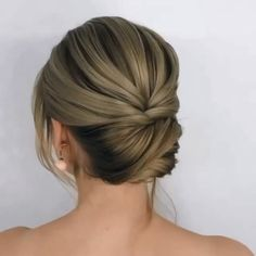 wedding hairstyles recogidos Hair transformation By: nikolaeva_zina Hair Up Styles, Short Hair Styles Easy, Medium Hair Styles, Easy Hairstyles For Medium Hair, Bun Hairstyles, Wedding Hairstyles, Updo For Short Hair, Medium Hair Updo, Classic Updo Hairstyles