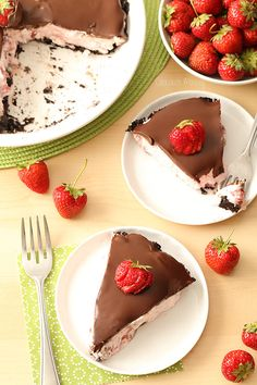 Serve up a slice of summer at your next party with this No Bake Chocolate Covered Strawberry Pie in an Oreo cookie pie crust.