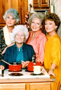 A 'Golden Girls'–themed restaurant named the Rue La Rue Café is opening in New York City, and Betty White is reportedly set to attend the grand opening — details Best Love Stories, Love Story, 1980s Tv Shows, Lab, Betty White, Girl Themes, Seinfeld, Marceline, Top Gear
