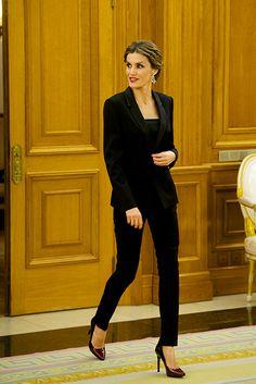 Queen Letizia dazzles with chic beauty look