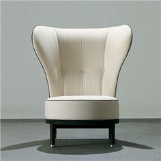 REA Wing Chair - Giorgetti - Switch Modern