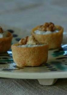 Mini croustades au roquefort et aux noix - Trend Cocktail Recipes 2019 Bbq Appetizers, The Good German, Thermomix Desserts, Grilling Gifts, Tasty, Yummy Food, Grilled Meat, Blue Cheese, Bbq Grill