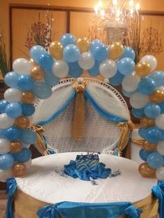 Light blue and gold balloon arch decor