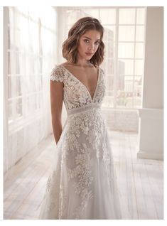 Civil Wedding Dresses, Evening Dresses For Weddings, Wedding Dress Trends, Boho Wedding Dress, Dream Wedding Dresses, Bridal Dresses, Lace Weddings, Wedding Ideas, Wedding Dresses For Petite