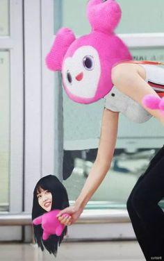An onslaught of twice memes cause I'm bored Meme Faces, Funny Faces, Nayeon, Bts Blackpink, Live Meme, K Meme, Twice Fanart, Twice Kpop, Dahyun