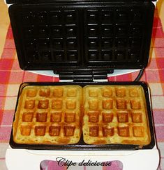 Waffles, Waffle Iron, Vegan Breakfast, Deserts, Food And Drink, Sweets, Cookie Recipes, Romantic, Projects