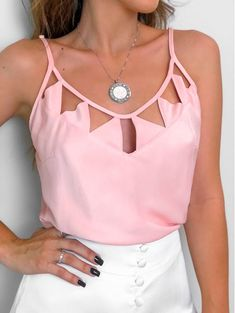 Regata Triangulo Rose Casual Outfits, Fashion Outfits, Womens Fashion, Skirt And Top Dress, Diy Clothes And Shoes, Fashion Details, Fashion Design, Sexy Blouse, Pinterest Fashion