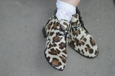 animal print shoes and white socks street style Outfit Of The Day, Slippers, Socks, Fur, Street Style, My Style, Animals, Outfits, Fashion