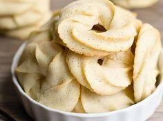 C'est une recette vraiment simple pour faire des délicieux petits biscuits au beurre comme grand-maman!