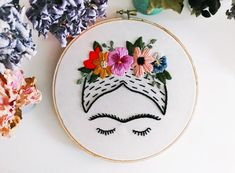 Artículos similares a Frida Kahlo Embroidery Art 6 hoop en Etsy Simple Embroidery Designs, Embroidery Flowers Pattern, Hand Embroidery Stitches, Modern Embroidery, Embroidery Hoop Art, Cross Stitch Embroidery, Machine Embroidery Designs, Tambour Embroidery, Needlepoint Stitches
