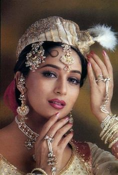 Madhuri Dixit looking perfect. All in a days work. Madhuri Dixit, Beautiful Bollywood Actress, Beautiful Indian Actress, Indian Celebrities, Bollywood Celebrities, Bollywood Stars, Bollywood Fashion, 3 4 Face, Covet Fashion
