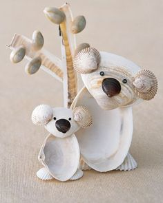 koala seashell craft - just might have to make one of these!) I finally found a koala she doesn't have! Kids Crafts, Summer Crafts For Kids, Beach Crafts, Cute Crafts, Crafts To Do, Diy For Kids, Craft Projects, Craft Ideas, Ocean Crafts For Teens