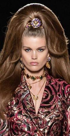 Atelier Versace, Hair Styles, Beauty, Fashion, Hair Plait Styles, Moda, Fashion Styles, Hair Makeup, Hairdos