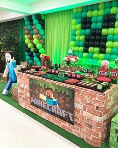 Minecraft Birthday Decorations, Craft Minecraft, Diy Minecraft Birthday Party, 9th Birthday Parties, Minecraft Cake, Birthday Party Games, Minecraft Party Ideas, 7th Birthday, Minecraft Houses