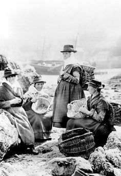 Tenby, Fishwives 1890