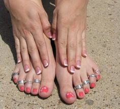 Feet fetish Crazy Women, Big Toe, Touching Herself, Women's Feet, Toe Rings, Toe Nails, Jewelery, Painted Toes, Mad Women