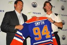 # 94 Ryan Smyth being reunited with the Oilers He only looks good in an Oiler Jersey Hockey Rules, Different Sports, Edmonton Oilers, Hockey Players, Figure Skating, Gymnastics, Race Cars, Athlete, Baseball Cards