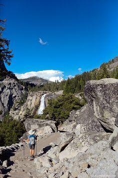 Hiking Nevada Falls at Yosemite National Park California // localadventurer.com