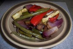 Vegetarian Roasted Summer Vegetables In The Crockpot Healthy Crockpot Pot Roast, Vegetable Crockpot Recipes, Slow Cooker Roast, Crockpot Dishes, Healthy Cooking, Slow Cooker Recipes, Vegetarian Recipes, Crockpot Ideas, Slower Cooker