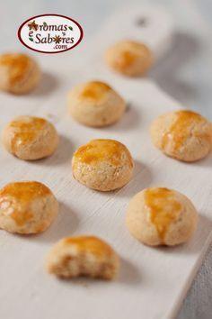 Biscoitos de queijo parmesão que derretem na boca