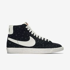 77 best KICKS images on Pinterest   Kicks, Black nikes and Womens ... fb6005eb80a0