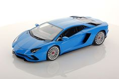 Collectable resin model Lamborghini Aventador S in Blu Nila colour by MR Collection Models #Lamborghini #ModelCars #SuperSportsCar #LamborghiniClub #diecast #diecastphotography #diecastcollector #diecastcollection #diecastcars #118 #118Scale #118Diecast