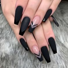 Super Trendy Acrylic Nails For Clear Nails With Flames. This mani features. - Super Trendy Acrylic Nails For Clear Nails With Flames. This mani features clear nails that a - Black Acrylic Nails, Best Acrylic Nails, Summer Acrylic Nails, Summer Nails, Nail Black, Shapes Of Acrylic Nails, Long Black Nails, Black Ombre Nails, Halloween Acrylic Nails