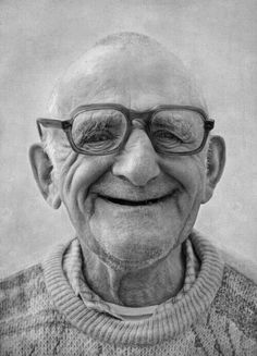 Composition: Content: This image is content because of the look on the face of this man and how he looks content with life. This image has portrait, upclose, and triangular balance Smile Face, Make You Smile, Men Smile, Tanz Poster, Beautiful Smile, Beautiful People, Old Faces, The Face, Old Man Face