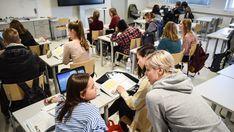 """""""Jessica Suominen kokee, että on hyödyllistä osata ruotsia, koska se on Suomen toinen virallinen kieli ja kuuluu suomalaisuuteen. Hänelle ruotsi avaa ovia myös muualle Pohjoismaihin."""" Ihanan fiksuja nuoria, palauttavat uskoa ihmiskuntaan ja suomalaisiin!"""
