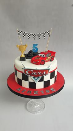 Birthday Cake Boys Cars Mcqueen 49 Ideas For 2019 Best Picture For cars de disney For Your Taste You are looking for something, and it is going to tel Disney Cars Cake, Disney Cars Birthday, Cars Birthday Parties, Disney Cakes, Birthday Boys, Pastel Rayo Mcqueen, Lighting Mcqueen Cake, Mcqueen Car Cake, Lightning Mcqueen Birthday Cake