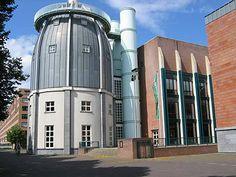 Arquitectura postmoderna Aldo Rossi.