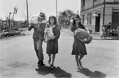 Filipinos returning home after the Battle for Manila, March 1945 Ww2 Photos, Colorized Photos, Viking Wallpaper, Race Book, Filipino Culture, Shield Maiden, Pictures To Paint, Manila, World War Ii