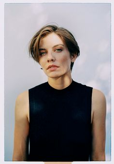 Is The Walking Dead Star Lauren Cohan Dating Someone? Know About her Affairs Lauren Cohan, Portrait Inspiration, Hair Inspiration, Writing Inspiration, Maggie Greene, Beautiful People, Beautiful Women, Gilmore Girls, Pixie Cut