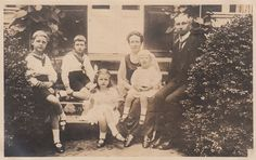 Prinz Oskar von Preussen mit seiner Familie, Prince of Prussia with his family | by Miss Mertens