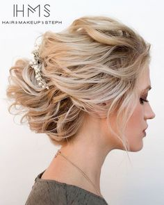 Disheveled Blonde Updo For Medium Hair Wedding Hairstyles For Medium Hair, Short Hair Updo, Bride Hairstyles, Vintage Hairstyles, Fast Hairstyles, Blonde Updo, Medium Hair Styles, Curly Hair Styles, Mother Of The Bride Hair