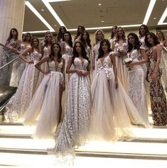 I want all of my bridesmaids in different dresses like this but of the same look/style so they stand out with me. Cute Dresses, Beautiful Dresses, Formal Dresses, Beautiful Gorgeous, Wedding Dress Gallery, Different Dresses, Mode Style, Dream Dress, Look Fashion