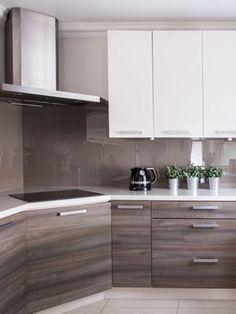 Des placards aux plaques de cuisson en passant par l'odeur de la poubelle, découvrez 23 astuces de grand-mère pour récurer votre cuisine du sol au plafond.