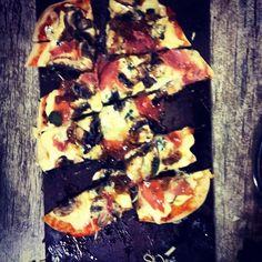Uma das pizzas que os alunos fizeram na Oficina de pizzas que o #chefnascimento fez hoje em Montenegro.