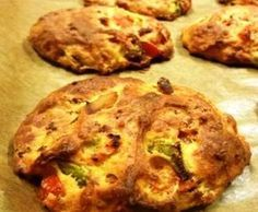 Τα πιτσάκια της τεμπέλας. Έτοιμα σε 5 λεπτά – Trikalaola.gr The Kitchen Food Network, Calzone, Yams, Pizza Recipes, Food Network Recipes, Quiche, Food To Make, Recipies, Easy Meals