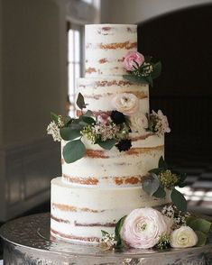 Half naked wedding cake #nakedweddingcake                                                                                                                                                                                 More #weddingcakedesigns