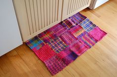 Jumbo Potholder Rug Kit - Hip_to_be_Square_Looper__Potholder_Loom - Potholder Loom, Potholder Patterns, Loom Bands, Yarn Crafts, Fabric Crafts, Scrap Fabric, Pin Weaving, Loom Craft, Weaving Patterns