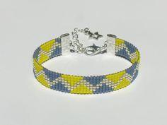 Bead loom bracelet with Miyuki Delica beads - Swapie